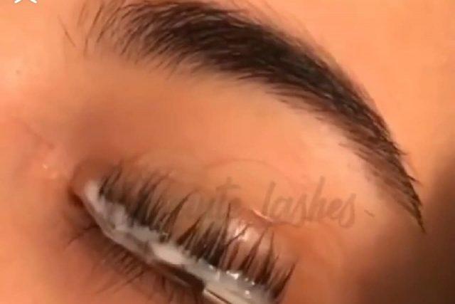 4 lash extension glues