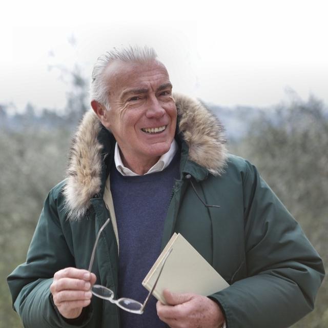 happy senior man outdoors 640.jpg