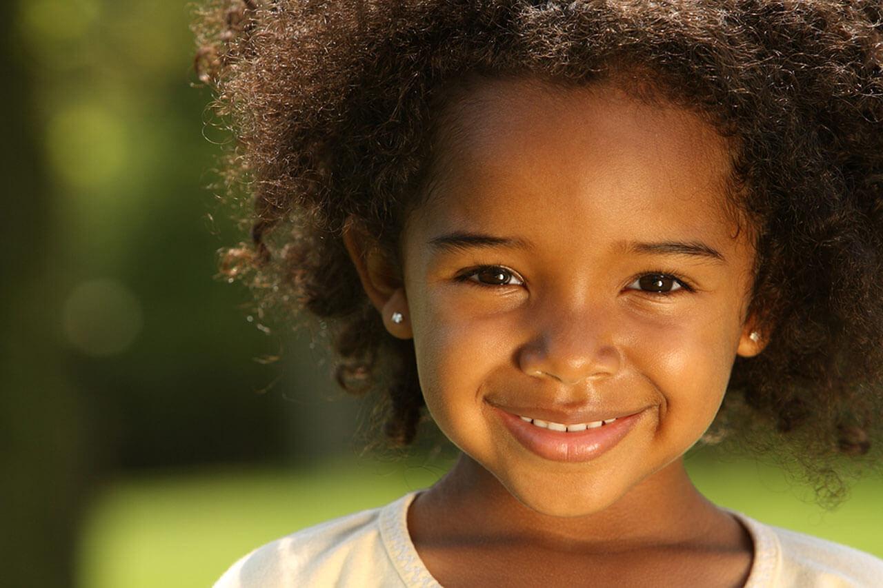 closeup smile outside front ng 0bk girl 1off 1280