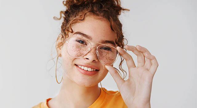 adjusting to new glasses 640x350.jpg