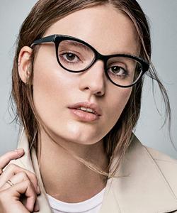 patient in glasses in St. Petersburg Florida
