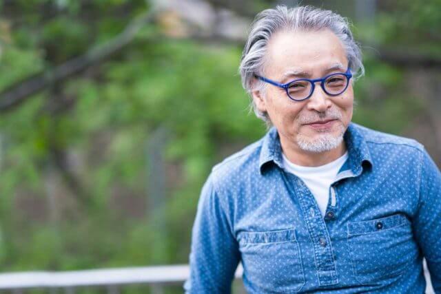 senior man with glasses 640x427