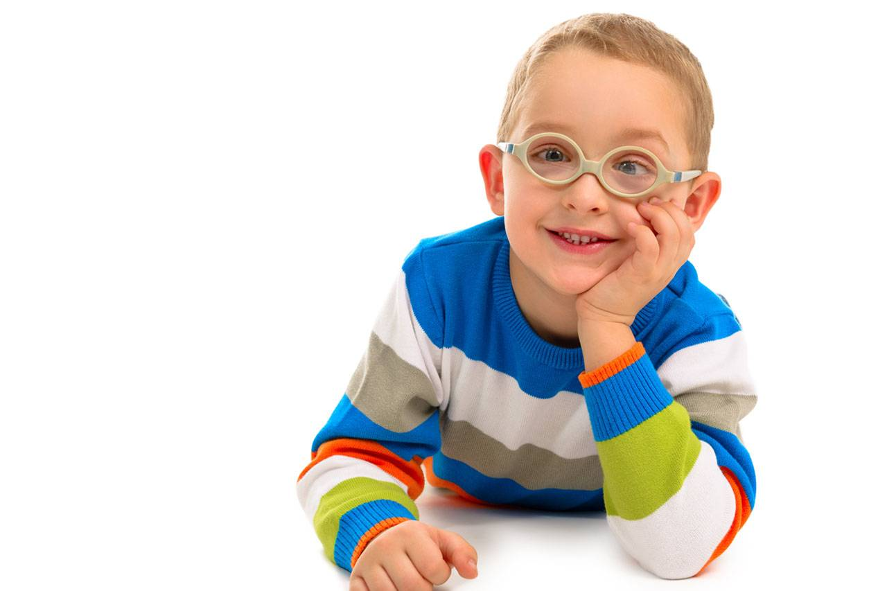 Cute smiling boy with glasses 1280×853