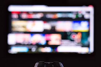 Watching TV With Diabetic Retinopathy Thumbnail.jpg