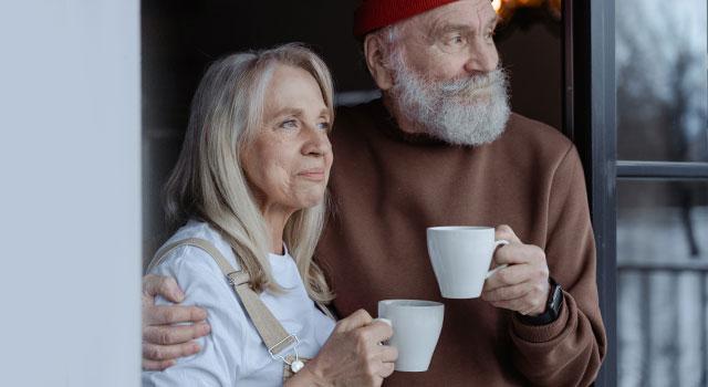 senior-couple-at-home-640x350-1