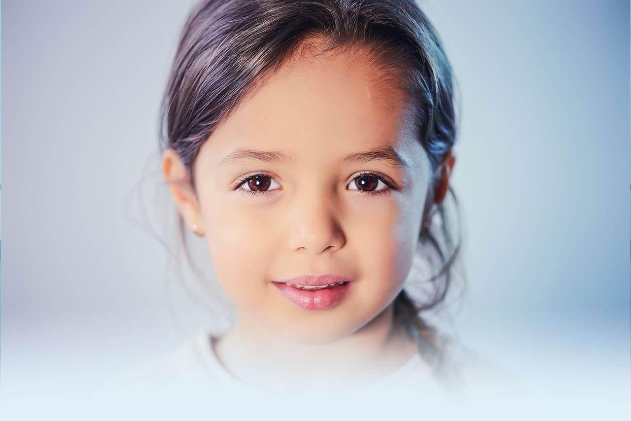 child girl brown eyes