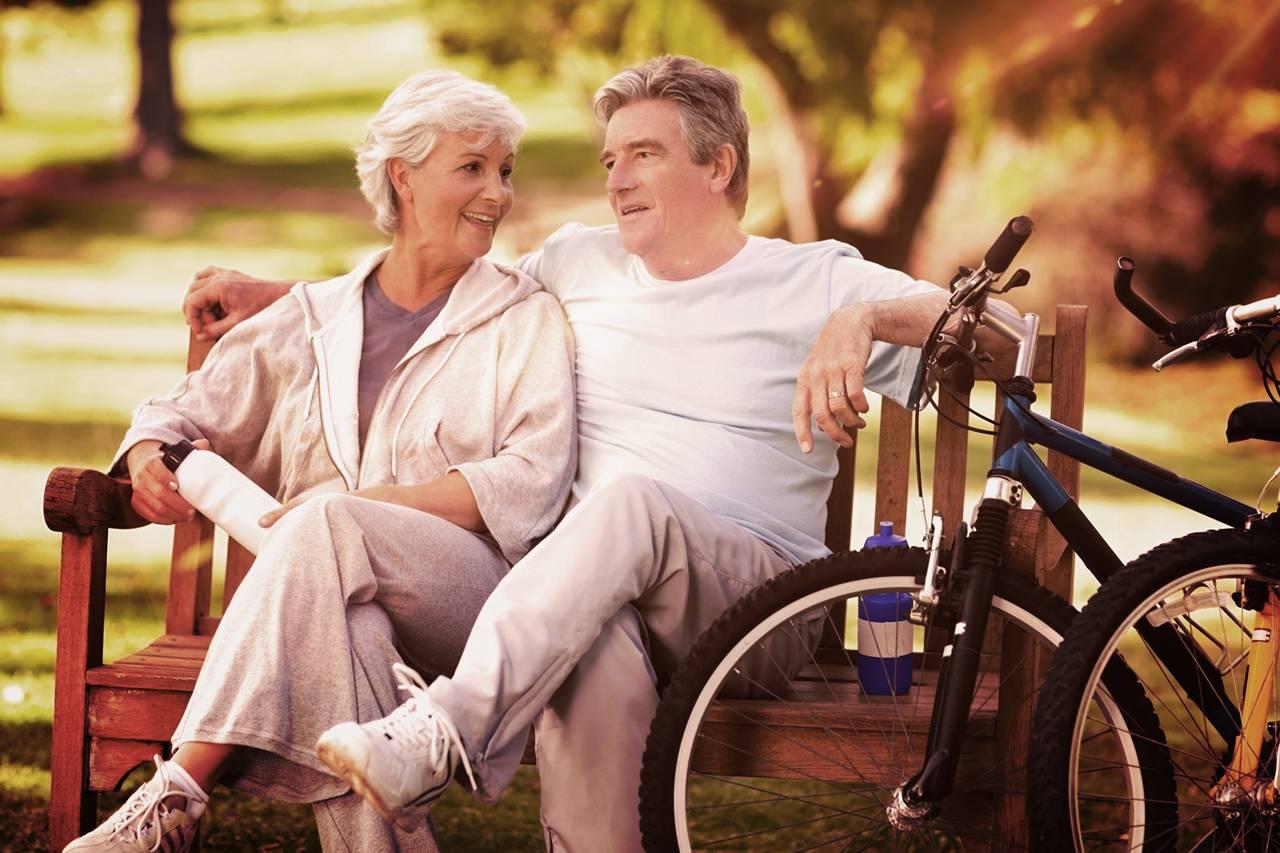 Older Couple Bench Bikes 1280×853