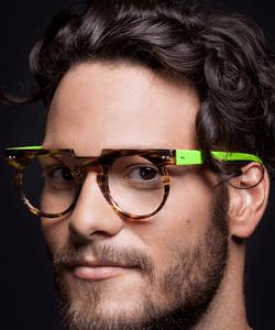 Model wearing Modo eyeglasses