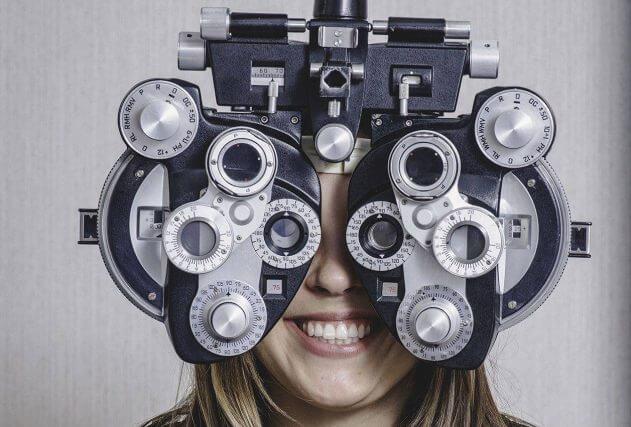 girl eye exam2 bkground sm e1542273099785 631×427