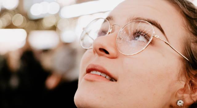 adjusting-eyeglasses-so-they-sit-properly-640x350