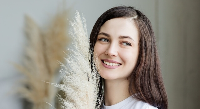 brunette-girl-smiling-640