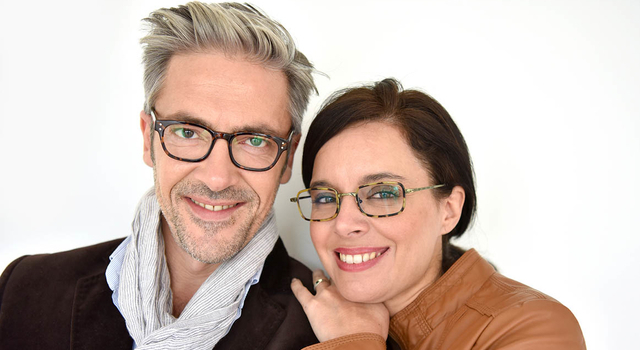 couple-wearing-eyeglasses-640x350