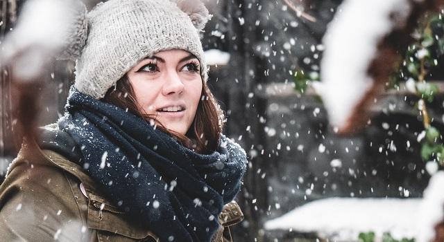 Winter-Dry-Eyes-In-Snow