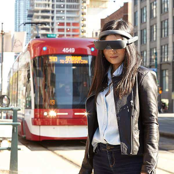 eSight4-Joy-Approaching-Streetcar-600x600-1.jpeg