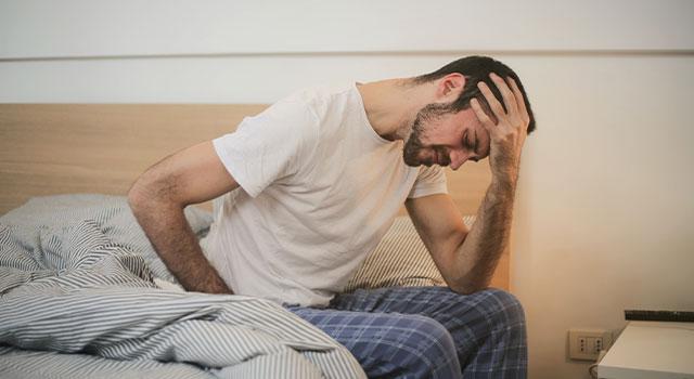 Experiencing-Headaches-640