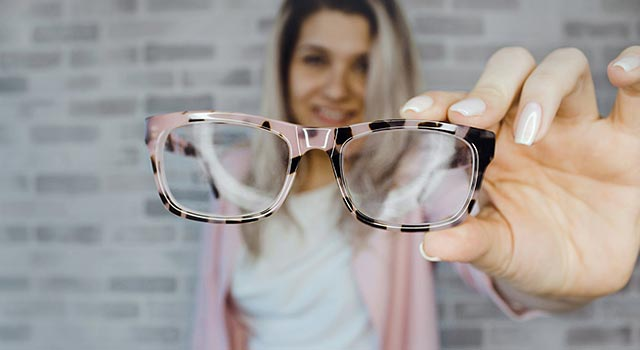 How-to-Keep-Glasses-from-Getting-Foggy
