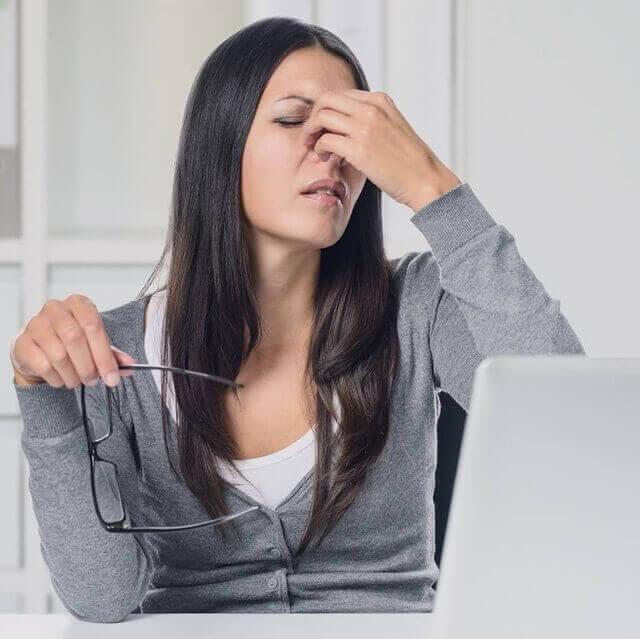 woman suffering from cvs 640.jpg