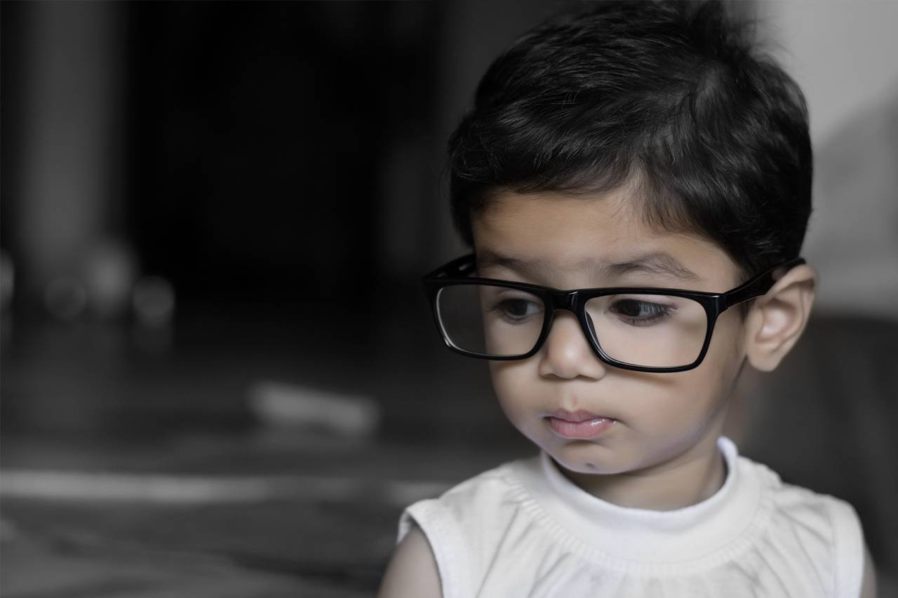 eyewear big hispanic child