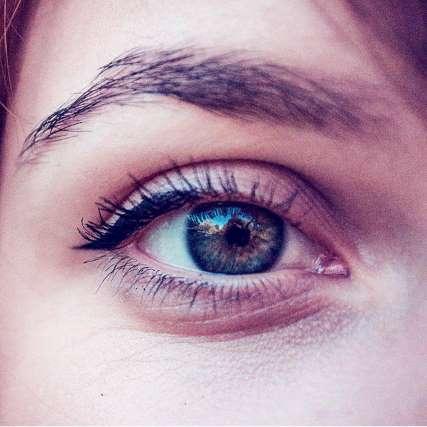 eye-close-up-warm