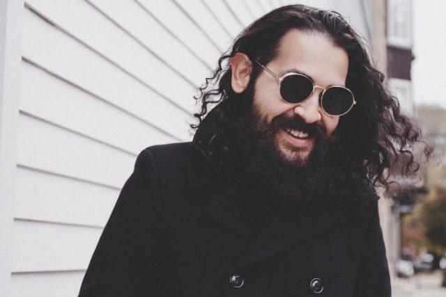 man beard sunglasses_1280x853 640x427
