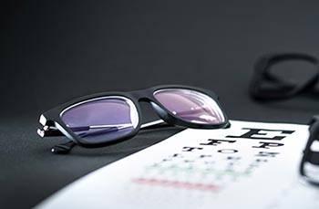Glasses On Eye Sight Test Chart MOBILE 1