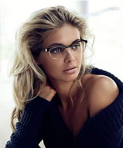Model wearing Guess eyeglasses