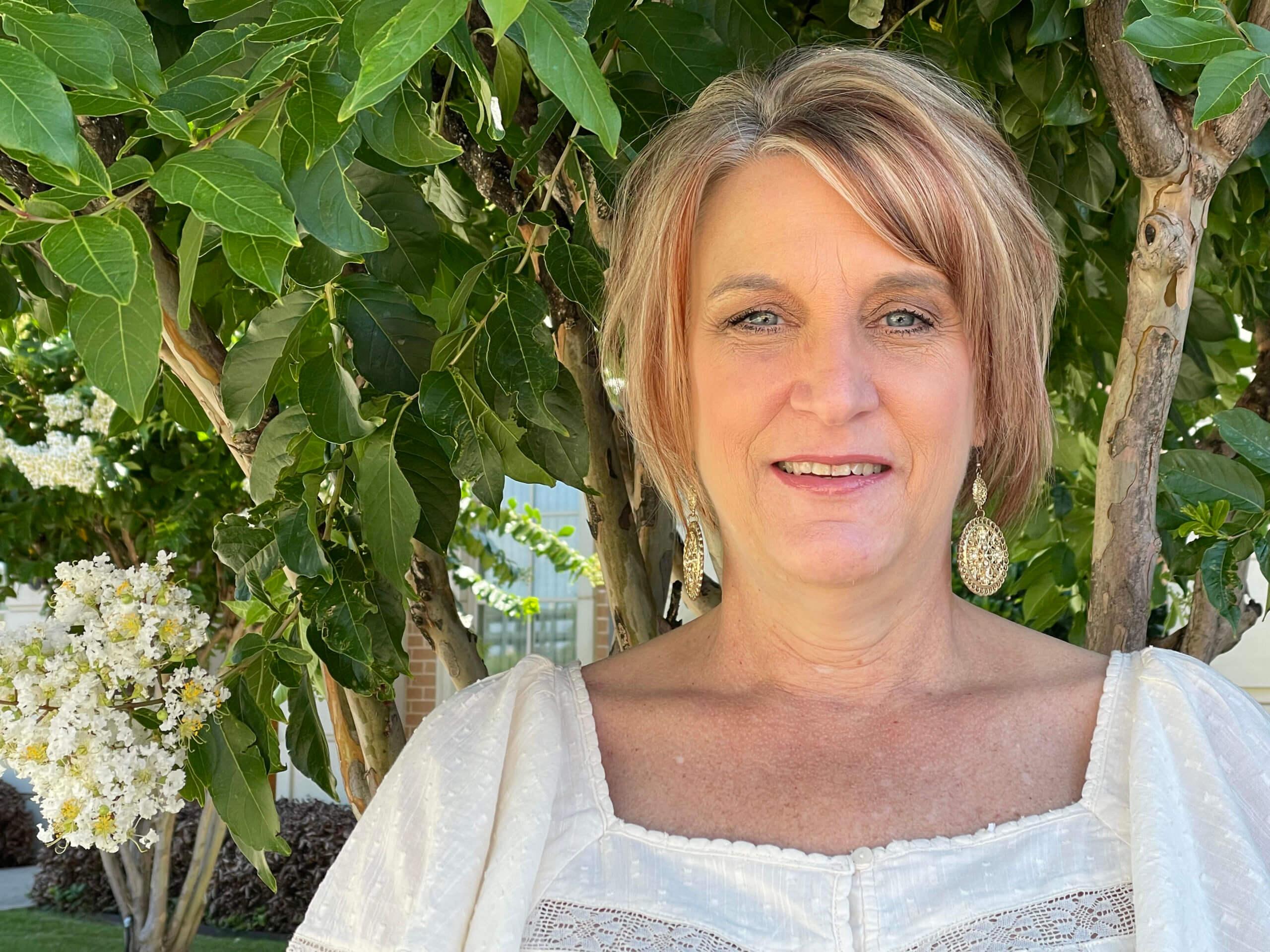Lisa-our-front-desk-coordinator-scaled