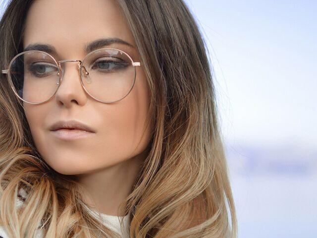 Woman20Glasses20Blue20Sky201280x480_preview1-640x480.jpeg