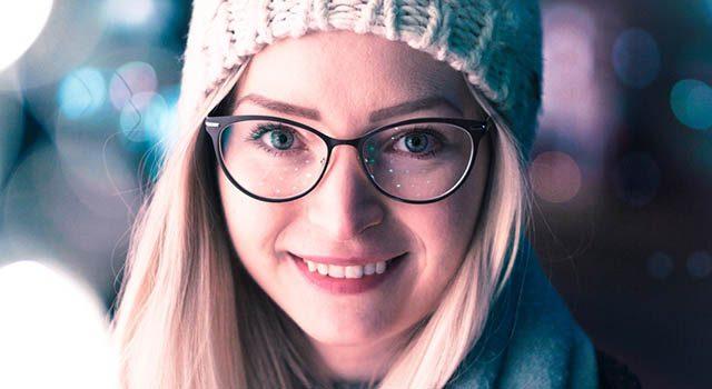 woman smiling wearing eyeglasses_640x350 640x350