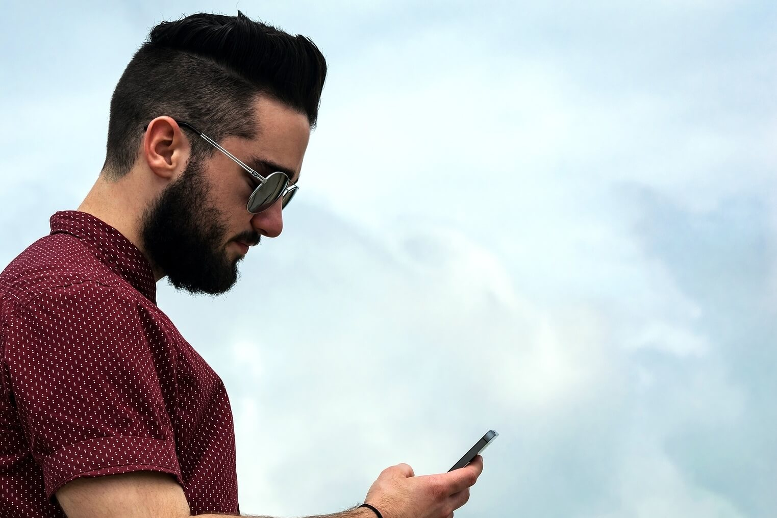 guy on mobile phone2