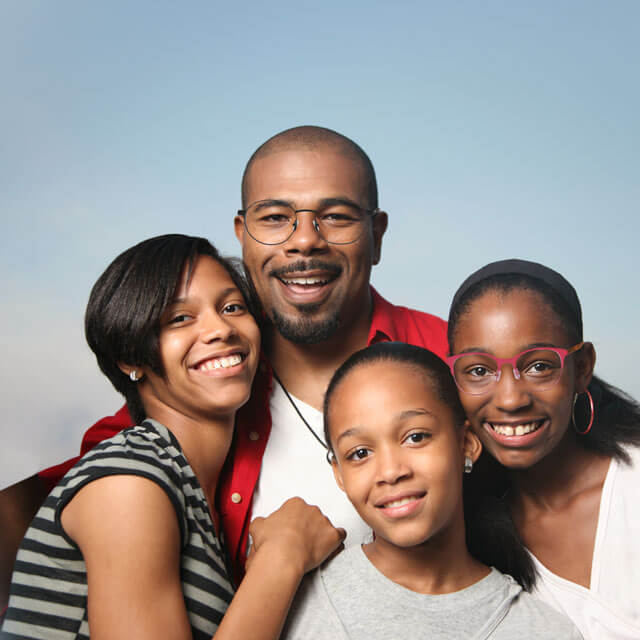 family_AA-family_nature_4-people_640