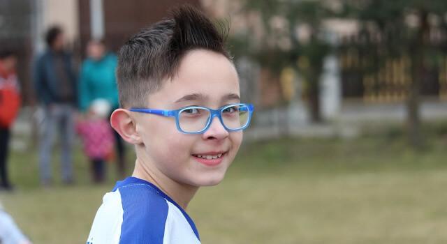 a-little-boy-wearng-blue-sunglasses-eye-exam-near-me.Sunnyvale-CA-640x350
