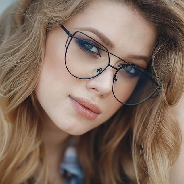 beautiful woman funky glasses_640