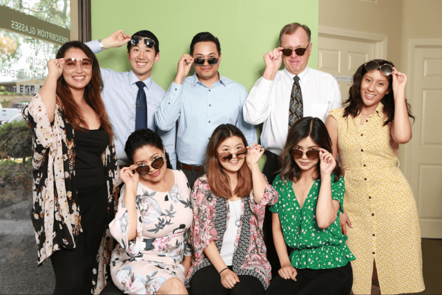 Team with sunglasses April 2019 (1)