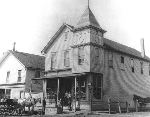 old grocery in palatine.jpg