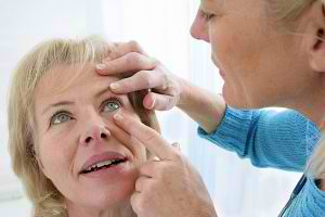 eye-exam-woman
