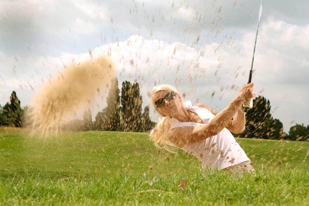 sports caucasian female sunglasses 1280×853
