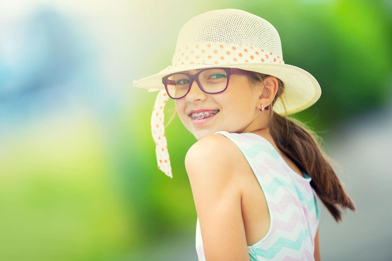 girl-hat-glasses-green-1280