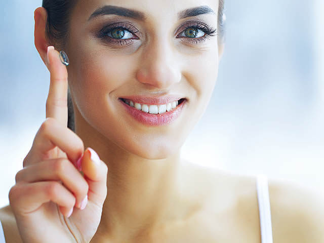 woman contact finger extended lic_640 640x480