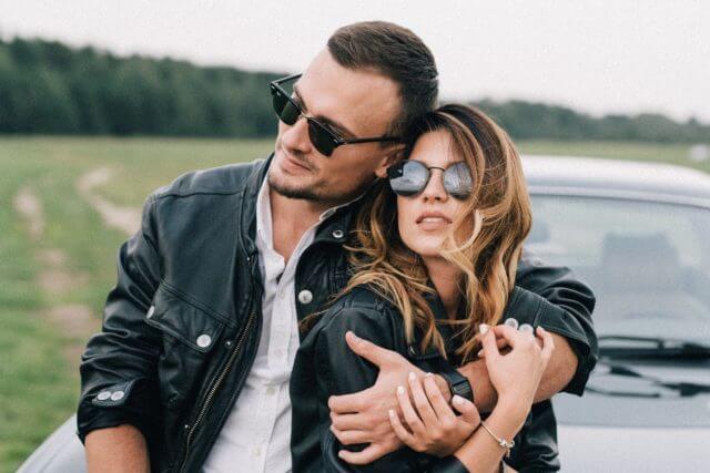 couple leather jackets sunglasses 640x427