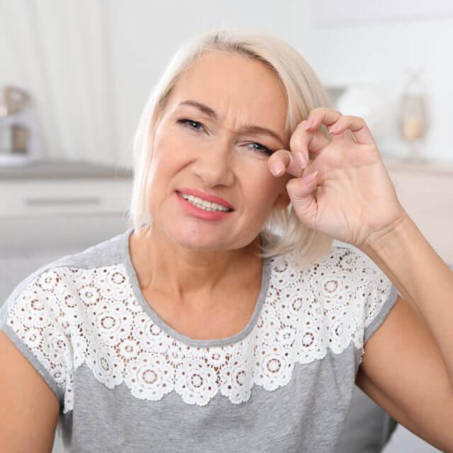 Dry-Eye-Senior-Woman-1280x853-640x640