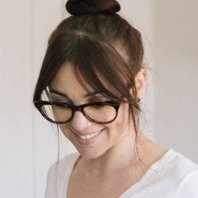 salt woman eyeglasses MAY 2020 284px