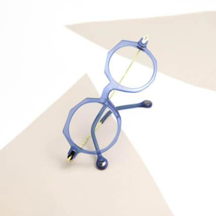 anne et valentin glasses blue 640px