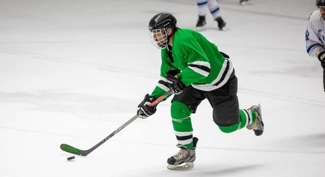 man playing hockey 640×350