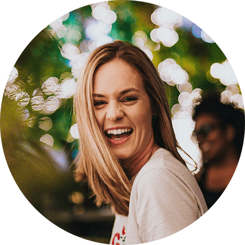 smile-woman-wht-tshirt.png