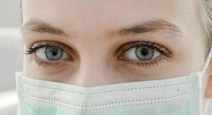 woman wearing a mask 640 300x164