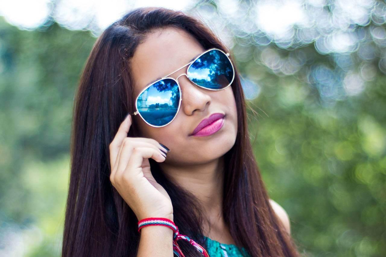 Sunglasses aviators woman dark hair 1280×853
