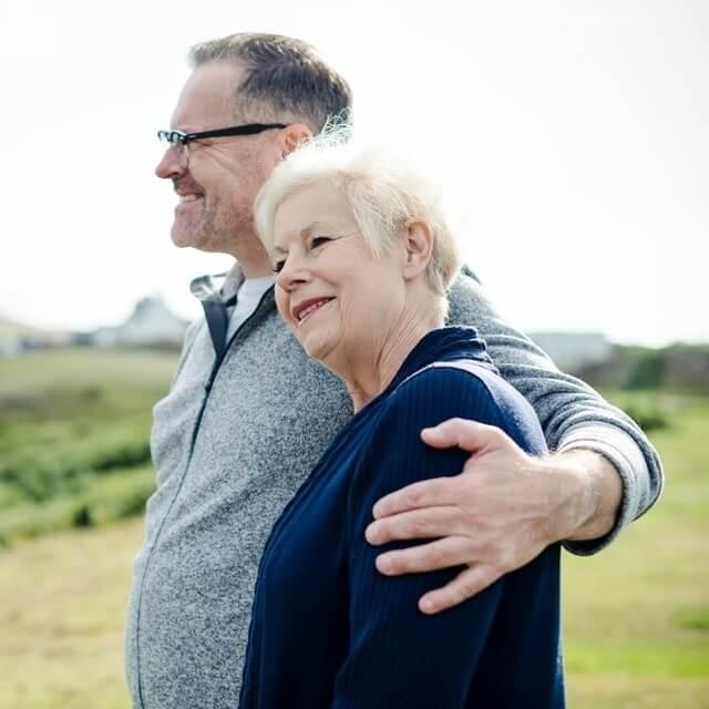 senior-couple-outdoors-640