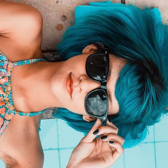 blue hair sunglasses funky_640