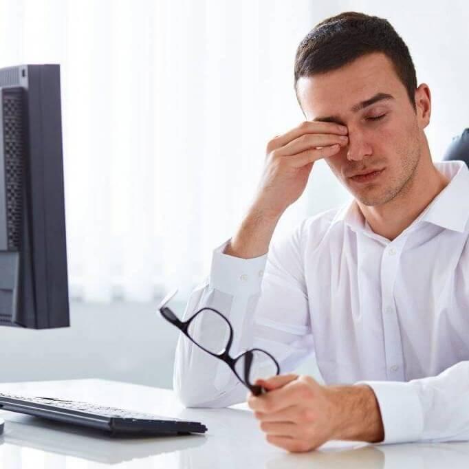 computer fatigue man at computer